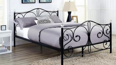 Łóżka metalowe. 5 powodów, dla których warto wybrać metalową ramę