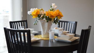 Rzeczy, które powinieneś wiedzieć o stołach i krzesłach do jadalni